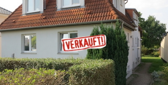 moderne lichtdurchflutete 2 zimmer in berlin pankow heinersdorf schoenerwohnen. Black Bedroom Furniture Sets. Home Design Ideas